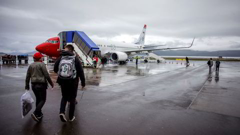 Mer enn ti millioner Norwegian-kunder har spart opp cashpoints når de har kjøpt billetter, eller fått kompensasjon i cashpoints når billetter er kansellert under korona. Forburkerrådet frykter at noen av verdiene kan gå tapt, og mener kundene ikke skal rammes. Bildet er fra Alta lufthavn.