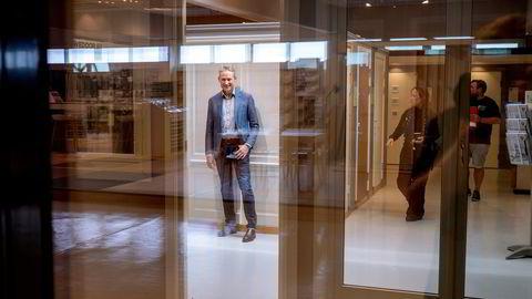 – Vi ser nå et kraftig fall i volumene ut av byggevarehus, opp mot 15 prosent mot fjorår, og enda mer i privatsegmentet, sier konsernsjef Mikkel Sandvik i Mestergruppen.