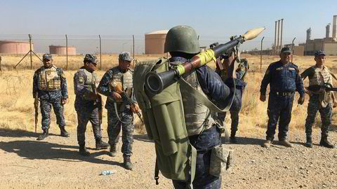 Føderale irakiske styrker har nå inntatt oljeinstallasjoner i Kirkuk i Nord-Irak.