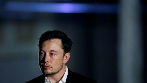 Tesla-sjef Elon Musk inngikk forlik med SEC, etter å ha blitt overbevist av Mark Cuban, ifølge WSJ.