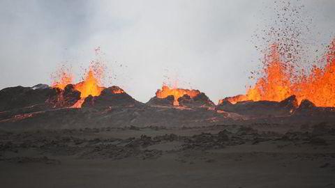 Vulkanutbrudd på island søndag. Foto: ARMANN HOSKULDSSON / AFP PHOTO / NTB Scanpix
