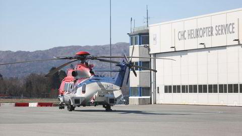 Lokalene til CHC helikopterservice på Flesland. Det var et helikopter fra dette selskapet som styrtet ved Turøy utenfor Bergen fredag. Foto: Emil Breistein / NTB