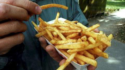 Colombia mener europeiske selskaper selger frossenchips til dumpingpris på det colombianske markedet og har derfor vedtatt straffetoll på pommes frites som eksporteres fra Belgia, Nederland og Tyskland.