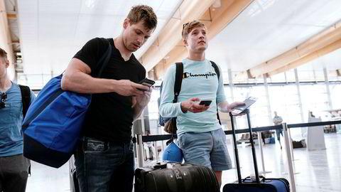Magnus Pedersen (til venstre) og Eric Matthews er på vei til San Francisco med Norwegian, når dollarkursen er på sitt høyeste på over tre år.