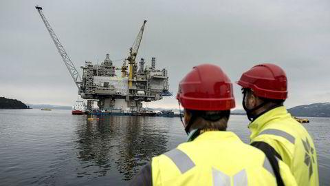 Ideen om at dagens generasjoner ikke skal tømme Nordsjøen for olje og gass uten å ta hensyn til fremtidige generasjoner, har ligget fast siden 1970-tallet, skriver innleggsforfatteren. Bildet viser Aasta Hansteen-plattformen i nærheten av Stord i mars i år.