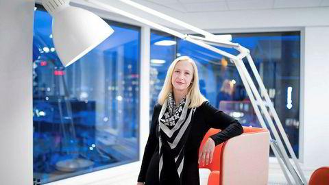 Administrerende direktør Renate Larsen i Norges sjømatråd anslår at gjennomsnittsprisen for norsk laks vil bli 14 prosent lavere i 2018 enn den var i fjor.