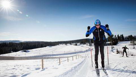 Magnus Vesterheim har nylig avsluttet en praksisperiode i Nord-Norge, der polare lavtrykk sto i kø. Forholdene på studiestedet på Lillehammer er derimot optimale. I helgen går han Birkebeinerrennet her.