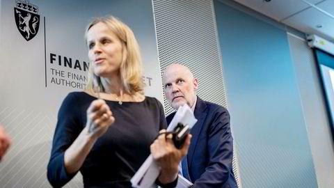 Finanstilsynets direktør Morten Baltzersen (til høyre) har klar en ny forskrift for forbrukslån. Her med direktør for bank- og forsikringstilsyn Ann Viljugrein.