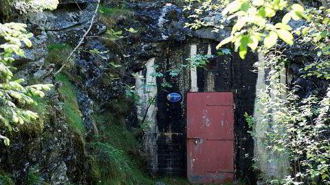 Mattilsynet sier gamle ledningsnett med lekkasjer er et problem. Bildet viser høydebassenget i Askøy som nå undersøkes.