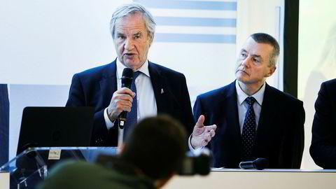 Norwegian-sjef Bjørn Kjos (t.v) og Willie Walsh, toppsjef i International Airlines Group, eier British Airways.