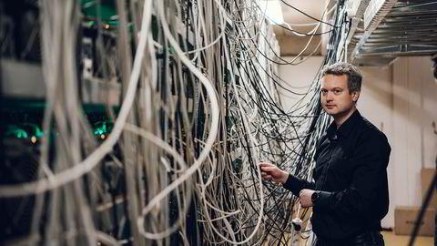 – I slutten av 2018 og starten av 2019 så det litt dystert ut, sier gründer og daglig leder Kjetil Hove Pettersen i datasenterbedriften Kryptovault. Selskapet har leid ut kapasitet til selskaper som utvinner kryptovaluta.