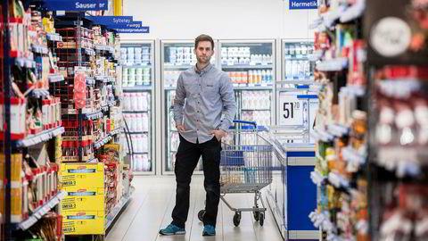 Dagligvaremarkedet på Skreia ble skjerpet da Rema-kjøpmann Jostein Augustson gjorde sitt inntog og åpnet ny butikk på Skreia. Nå kjemper han mot Kiwi og Coops lavpriskjede Extra om et marked som begrenset seg til 100 millioner kroner.