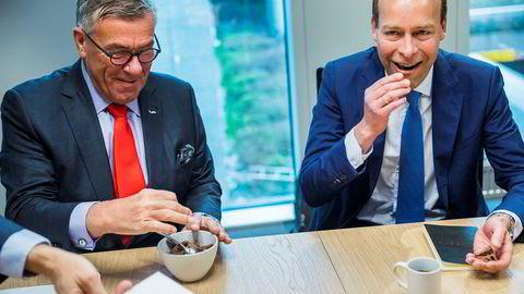 Tre av fire deltagere i DNs porteføljekonkurranse tar inn Orkla denne uken. Her Orkla-styreleder Stein Erik Hagen (til venstre) og konsernsjef Jaan Ivar Semlitsch, som tiltrådte 15. august.