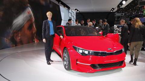 Irene Solstad har akkurat startet som sjef for Kia Norge, og kan glede seg over en av bilutstillingens mest spennende konseptbiler. Foto: Embret Sæter