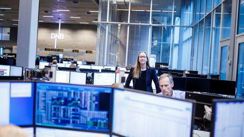 Sjeføkonom Kjersti Haugland i DNB Markets mener det er flere positive tegn i norsk økonomi. Til høyre seniorøkonom Kyrre Aamdal.
