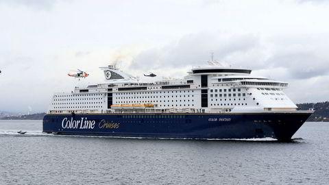 Mest utenlandske sjøfolk om bord? Color Line vil se statsbudsjettet vedtatt før selskapet fatter noen avgjørelse.