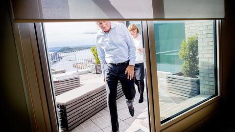 DNB-styreleder Anne Carine Tanum får kritikk av bankens tidligere internrevisor, Harald Jægtnes. Her er hun sammen med konsernsjef Rune Bjerke. Foto: