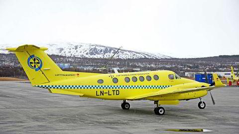 Operatøren Babcock Scandinavian Air Ambulance tar over luftambulansetjenesten i Norge i juli 2019. Selskapet eies av Babcock International som også står for produksjon av deler til atomvåpen.