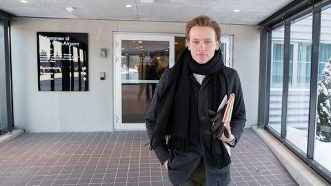 Unge Venstres leder Sondre Hansmark sier partiet ikke kan sitte i regjering hvis norske klimagassutslipp ikke kuttes.