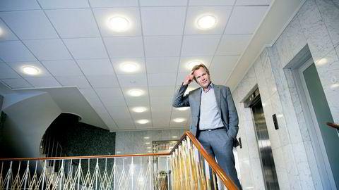 Sparebank 1 SMN-sjef Finn Haugan angriper forbrukslånsbankene for altfor dårlig undersøkelse av kundene som innvilges lån. For to år siden ble han og kona utsatt for id-tyveri mens de sov hjemme, og gjerningspersonen klarte å opprette flere forbrukslån på kort tid.
