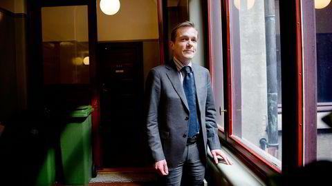 Statssekretær Paal Bjørnestad i Finansdepartementet vil ikke blande seg bort i Oljefondets aksjestrategier. Foto: Elin Høyland
