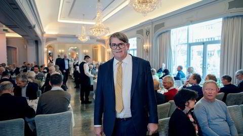 Forvalter Jan Petter Sissener har fortsatt tro på Norwegian og vil bli sittende på aksjene i selskapet.