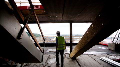 Nesten 100 kontrollerer har sjekket 38 byggeplasser i juni. Foto: Fartein Rudjord