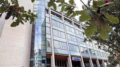 Nordea meldte før helgen, som første bank ut, at den slutter å lage skyggeratinger. Banken vil ikke risikere å handle i strid med europeiske reguleringer. Her Nordeas hovedkontor i Oslo. Foto: Aleksander Nordahl