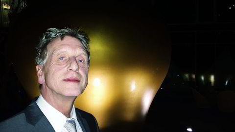 Artikkelforfatteren hevder professor Günther Hambitzer (bildet) villedet styret og investorene og holdt tilbake testdata i batteriselskapet Fortu, der Jostein Eikeland var eier. Foto: Gøran Skaalmo