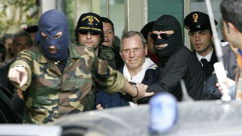 Etter utrolige 43 år på rømmen ble lederen for Cosa Nostra, Bernardo Provenzano, arrestert og satt til å sone flere livstidsdommer. Her fra 2006.