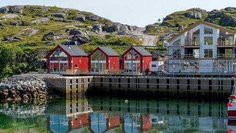 De to midterste nybygde rorbuene på Ballstad i Lofoten er blant nybyggene som leies ut via Airbnb.
