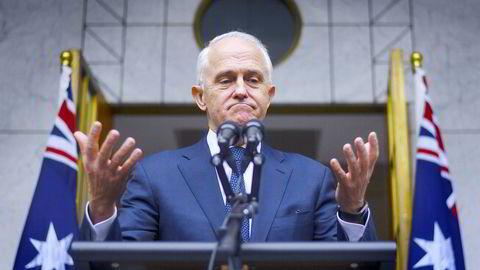Australias statsminister Malcolm Turnbull overlevde et forsøk på å bli kastet, men allerede på fredag kan høyrefløyen i partiet få viljen sin. – Australiere kan med rette føle seg forferdet over hva de har vært vitne til denne uken, sa han torsdag.