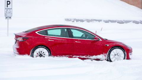 DN testet Tesla Model 3 før jul.