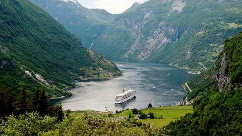 TØI har nedjustert prognosene for cruisetrafikken i Norge frem til 2060. En av årsakene er at asiatenes reisemønster ikke er blitt helt slik man så for seg.