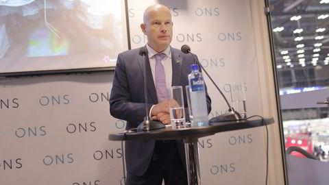 Arne Sigve Nylund, konserndirektør for utvikling og produksjon norsk sokkel, Statoil, på en pressekonferanse i Stavanger tirsdag. Foto: