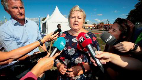 Statsminister Erna Solberg (H) sa at «alle kan gjøre feil» da hun første gang kommenterer statsråd Per Sandbergs (Frp) Iran-reise under et møte med journalister på Ekebergsletta onsdag for en uke siden.