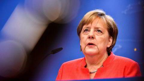 Angela Merkel forsøker å blidgjøre innenriksminister Horst Seehofer og koalisjonspartnerne i CSU, med en rekke nye avtaler og tiltak for å skjerpe flyktningpolitikken.