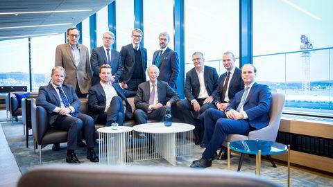 Et elitelag av konkursadvokater er bekymret for om juridiske studenter i Oslo er gode nok til å bli forretningsadvokater uten å ha lært pante- og konkursrett. Bak fra venstre. Knut Ro, Marius M. Gisvold, Kaare Christian Tapper, Håvard Wiker. Foran fra venstre, Richard Sjøqvist, Kristoffer Hegdahl, Leif Petter Madsen, Pål Lieungh, Tor Herdlevær og Johan Astrup Heber.