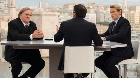 Borgermesterskap. Gérard Depardieu (til venstre) spiller borgermesterfiguren Taro, og Benoît Magimel utfordreren Barres, i den første franske Netflix-serien, med premiere 5. mai. Foto: David Koskas / Netflix