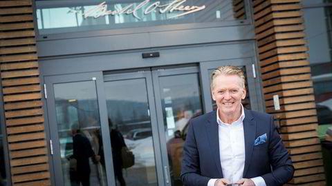 Konsernsjef Bjørn Maarud i Bertel O. Steen har lange ventelister men begrenset med tilgang på elbiler. Det preger også årsresultatet for i fjor.