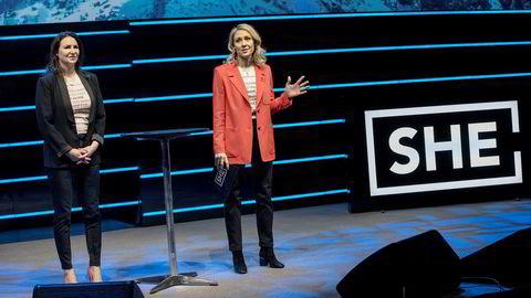 Heidi Aven og Camilla Hagen Sørli, på scenen under She Conference i Oslo Spektrum