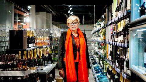Hilde Britt Mellbye kan kjøpe mange flasker vin for pengene hun får i sluttpakken sin.