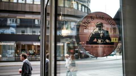 Kjeden Joe & The Juice har på få år etablert over 30 utsalgssteder sør i Norge, som her i Storgata i Oslo.