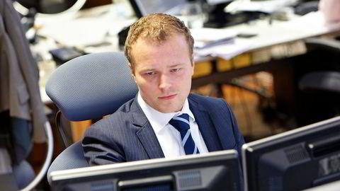 Analytiker Tore A. Tønseth i Sparebank 1 Markets mener det seneste kursfallet i oppdrettssektoren er en overreaksjon. Foto: Lasse Lerdahl