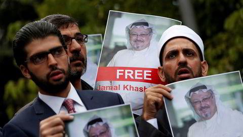 Menneskerettsaktivister og venner av Jamal Khashoggi protesterte utenfor Saudi-Arabias konsulat i Istanbul tidligere denne uken.