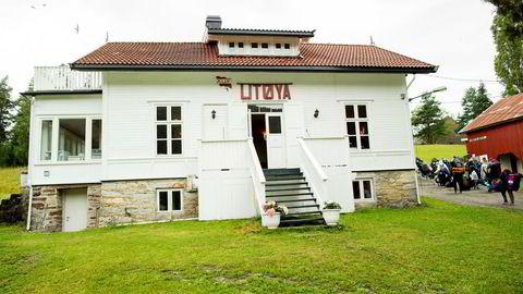 Filmatiseringen av terrorangrepet mot Utøya har fått internasjonal oppmerksomhet.  Her ankommer ungdommer   AUFs sommerleir i 2015.
