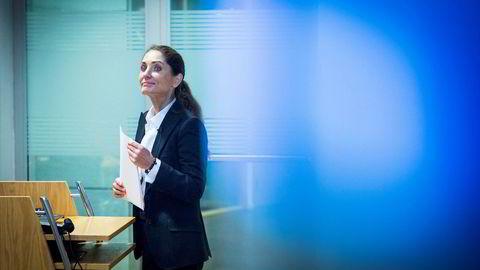 Bank Norwegian-sjef Tine Wollebekk la tirsdag frem et resultat for årets tredje kvartal som sendte aksjekursen utforbakke, og flere aktører i finansmiljøet mener det er på tide å flytte utenlands for å slippe unna med mindre regulering.