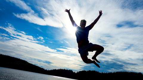 Færre ungdommer har sommerjobb, og det betyr at flere kan nyte sommeren som de vil.
