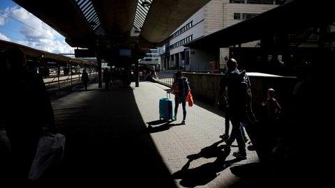 Syltynn begrunnelse for å stoppe togtrafikken i to timer torsdag.