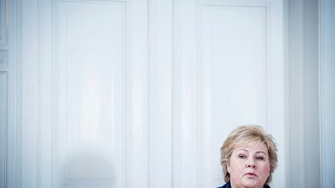 Statsminister Erna Solberg (H) må mandag forklare seg i Stortinget.